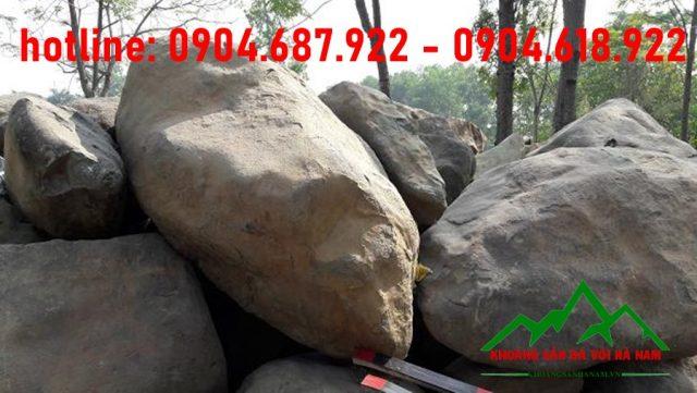 đá cuôi suối kích thước lớn