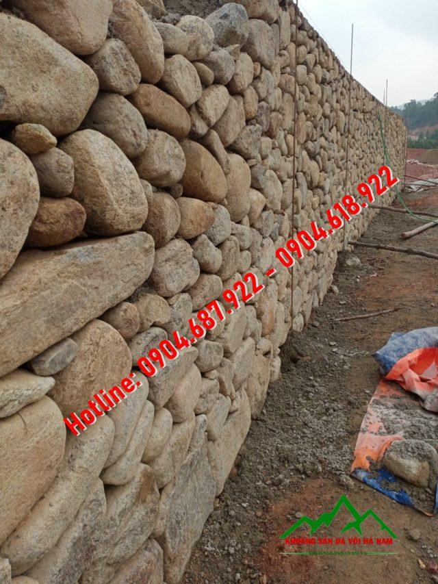 tường rào đá cuội